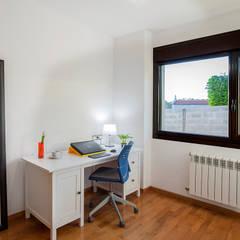 Home Staging en la casa de Paula en Galicia: Estudios y despachos de estilo  de CCVO Design and Staging