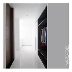 Wardrobe:  Ruang Ganti by studiopapa