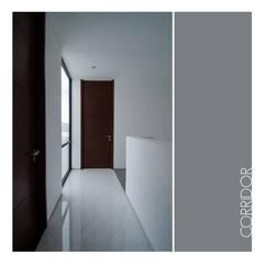 Ahouse:  Koridor dan lorong by studiopapa