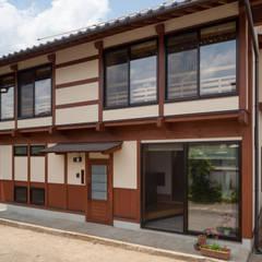 臼田の家: 安藤建築設計工房が手掛けた木造住宅です。