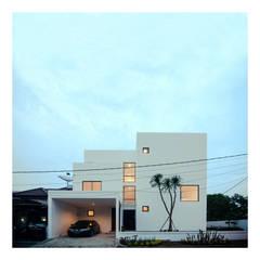 Ahouse: Rumah oleh studiopapa,