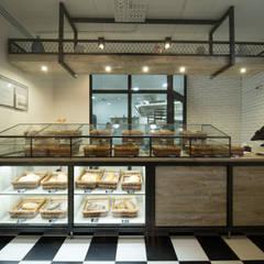 Bolungerie: Офисы и магазины в . Автор – Design Evolution