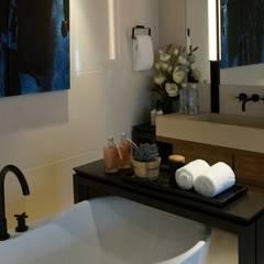 The LALU House:  浴室 by POSAMO十邑設計