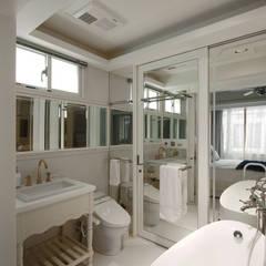 Phòng tắm by 哲嘉室內規劃設計有限公司