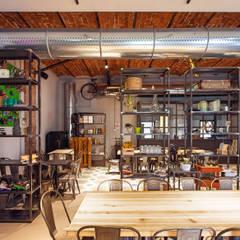DAHLIA LAB_Progetto architettonico di un nuovo concept bar: Pareti in stile  di Chantal Forzatti architetto