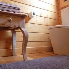 RUSTICASA | Pine Cottage | Zambujeira do Mar: Casas de banho  por Rusticasa