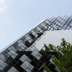 STH - Nhà thang:  Nhà gia đình by deline architecture consultancy & construction,