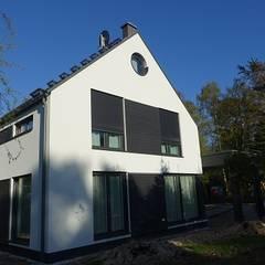Einrichtung eines Ferienhauses an der Ostsee  :  Einfamilienhaus von Raum & Form