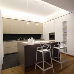 Appartamento a Termini Imerese PA: Cucina in stile  di Giuseppe Rappa & Angelo M. Castiglione