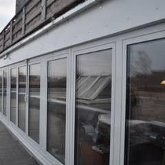 Das Ergebnis - die neuen Fensterreihen:  Fenster von architekturbuero dunker