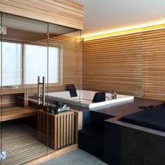 Saunas de estilo  por MIDE architetti