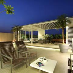 safal penthouse Modern balcony, veranda & terrace by USINE STUDIO Modern
