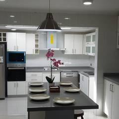 Projekty,  Kuchnia na wymiar zaprojektowane przez AOG SPA