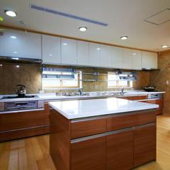 客製化設計-樂活山莊-日式健康綠建築:  系統廚具 by 詮鴻國際住宅股份有限公司