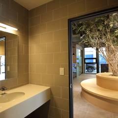 대구 남구 대명동 예쁜 카페 커피숍 인테리어 리모델링: inark [인아크 건축 설계 디자인]의  욕실