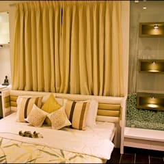 Master Bedroom:  Conservatory by H interior Design