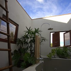 Kannan - Sonali and Gaurav's residence: eclectic Spa by Sandarbh Design Studio