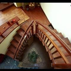 Corridor & hallway by Sandarbh Design Studio