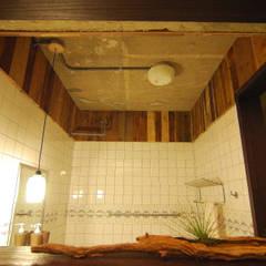 風景‧私宅:  浴室 by EO design studio