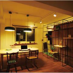 風景‧私宅:  書房/辦公室 by EO design studio