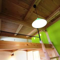 工房: 安藤建築設計工房が手掛けた書斎です。