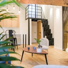 Salon: Salon de style de style Moderne par Atelier MADI