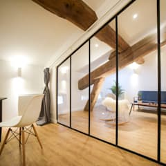 Chambre: Chambre de style  par Atelier MADI