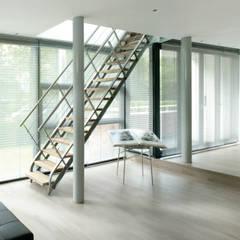 Villa Bliek - Den Haag:  Woonkamer door Archipelontwerpers