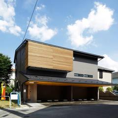 S邸 外観: 腰越耕太建築設計事務所が手掛けた一戸建て住宅です。