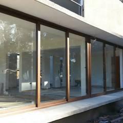 ventanales termopanel: Ventanas de estilo  por telviche