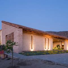 Casa Cuatro Aguas : Casas de estilo  por Dx Arquitectos