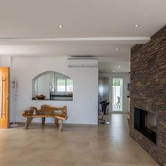 Corridor & hallway by Home & Haus | Home Staging & Fotografía,