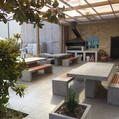 HABILITACION OFICINAS INALEN- ENEA: Terrazas  de estilo  por AOG SPA
