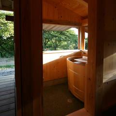 浴室: 木造伝統構法 惺々舎が手掛けた浴室です。