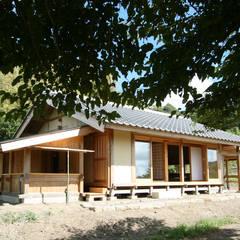 木造伝統構法の日本家屋「鴨川の家」: 木造伝統構法 惺々舎が手掛けた木造住宅です。,クラシック