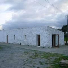 Casas ecológicas de estilo  por Sofia Salema & Pedro Guilherme, Arquitectos LDA