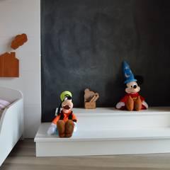 Dormitório Carolina: Quartos das meninas  por DH Arquitetura