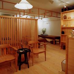 表参道の治療院: 木造伝統構法 惺々舎が手掛けた病院です。