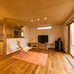 内野の家: 株式会社山口工務店が手掛けたリビングです。