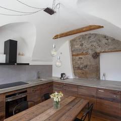 rustic Kitchen by BEARprogetti - Architetto Enrico Bellotti