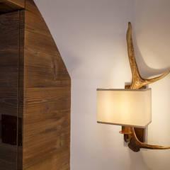 Vault House: Sala da pranzo in stile  di BEARprogetti - Architetto Enrico Bellotti