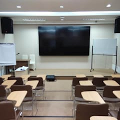 Class Room:  Ruang Multimedia by ADEA Studio