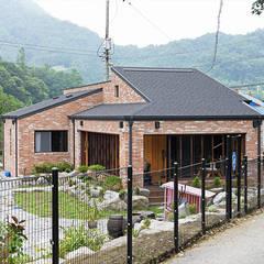 Casas de madera de estilo  por homify, Moderno