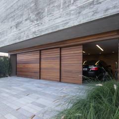 ประตูโรงรถ โดย Belas Artes Estruturas Avançadas, ชนบทฝรั่ง เหล็ก