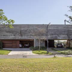 Country house by Belas Artes Estruturas Avançadas