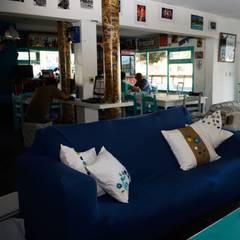 : Hoteles de estilo  por Diseñadora Lucia Casanova,Ecléctico