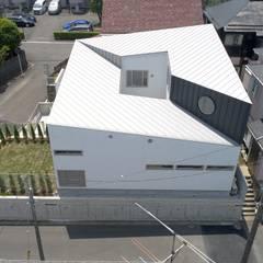 Flat roof by 前田敦計画工房