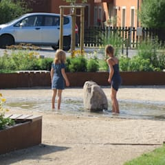 Kinderspiel am Brunnen:  Veranstaltungsorte von Bender Freiraumplanung