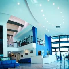 HIMO  - Hospital Instituto de Moléstias Oculares e Edifício Residencial Sassako Kashiwabuchi: Hospitais  por VERRONI arquitetos associados