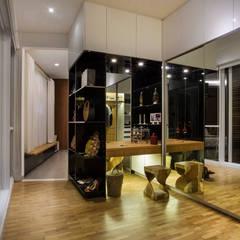 kbp house:  Ruang Ganti by e.Re studio architects